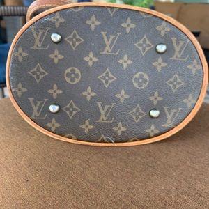 Louis Vuitton Bags - Louis Vuitton petit bucket 23